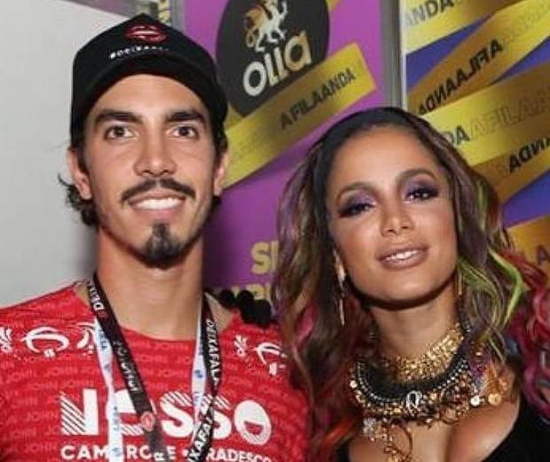 Anitta assume namoro com Gabriel David