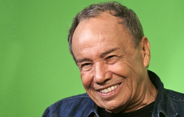 Stênio Garcia faz apelo nas redes sociais para ficar na Rede Globo