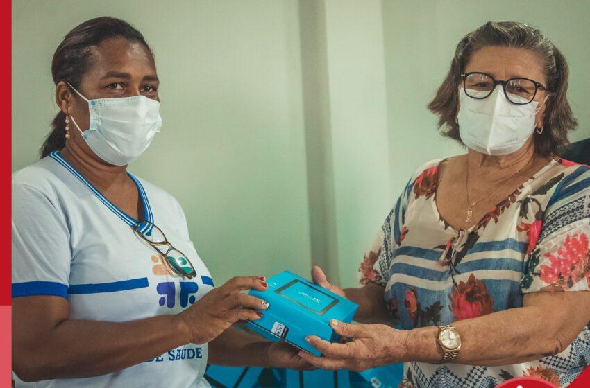 São Seb. do Passé: Prefeitura entrega tablets para agentes de Saúde e Endemias